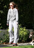 http://img44.imagevenue.com/loc1085/th_29147_Jennifer_Love_Hewitt_2008-12-30_-_Rollerskating_in_Los_Angeles_0120_122_1085lo.JPG