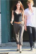 Nov 16, 2010 - Megan Fox Hotness Out N About In Hollywood (32 HQ pics) Th_02802_Upload_by_forum.anhmjn.com_024_122_242lo