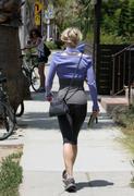 Рене Зельвегер, фото 1035. Rene Zellwegere Rene Zellweger ASS SHOT, out & about in LA - 27/7/11, foto 1035