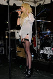 http://img44.imagevenue.com/loc45/th_68171_Taylor_Momsen_perfoms_during_the_Teen_Vogue_Fashion0s_Night_Out_Fashion_Show_2090910_24_123_45lo.jpg