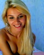 gorgeous blonde cam girl