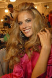 th_96613_fashiongallery_VSShow08_Backstage_AlessandraAmbrosio-23_122_690lo.jpg